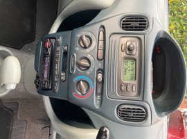 Toyota Yaris, 2001 (51) Green MPV, Automatic Petrol, 159,086 miles