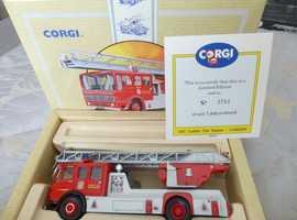 CORGI: LIMITED EDITION LADDER FIRE VEHICLE