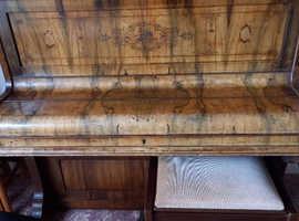 Vintage piano . Free