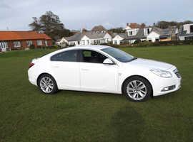 Vauxhall Insignia, 2013 (13) White Hatchback, Manual Diesel, 115,000 miles