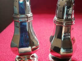 Victorian solid silver salt and pepper  pots Sheffield 1890