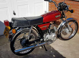 Classic 1990 Yamaha YB100 motorcycle, Fizzy's Big Brother