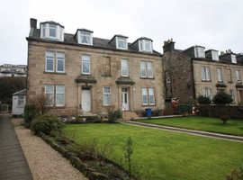 Sea front  2-bed Attic flat for sale. Gourock, Inverclyde