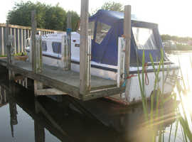 Buckingham 25 GRP cruiser for travelling on rivers and canals