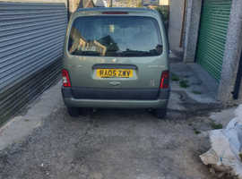 Peugeot Partner, 2005 (05) Green MPV, Manual Diesel, 81,000 miles