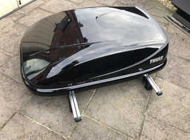 Thule Roof Box and Bars