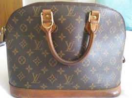 Original Louis Vuitton Bag . Alma design.
