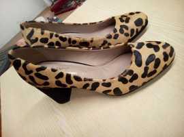 Next   New  ladies leopard print leather shoes