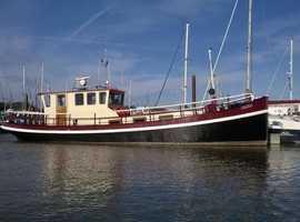Beautiful Cruising Barge - Cornelis
