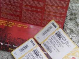 2 friday reading festival tickets