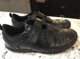 GEOX BLACK LEATHER TRAINERS 5.5 Eu 40
