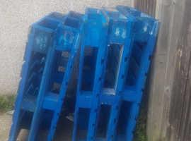 Blue pallets! FREE!!!
