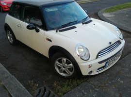 Mini MINI, 2004 (54) White Hatchback, Manual Petrol, 81,000 miles