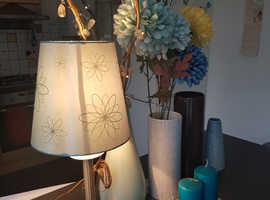 Vase's lamp candles + teal blue curtains