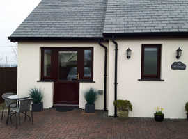 Pembroke ( West Wales) Self Contained Holiday Apartment Sleeps 2 Adults  (WINTER BREAK)