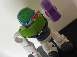 Toy story 4 giant robot buzz lightyear