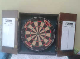 WINMAU SFB DARTBOARD With CABINET Dart Board Chalkboard Wall Mountable