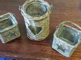 Wicker lantern baskets with glass interior for tea lights