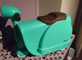 Skoot Ride on Kids Luggage! Great Fun for the little ones when travelling.