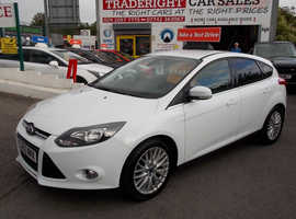 2013/63 Ford Focus 1.0 Zetec Turbo Eco-Boost finished in Arctic White 65,133 miles