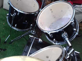 7 peice drum kit  -  DRUMSET DYNAMIC 2 SET