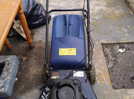 Macallester Pro 50 self propeled lawn mower in good working
