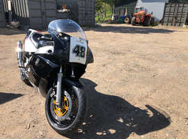 1989 Yamaha FZR1000 Classic Track Bike/Race Bike Daytime MOT