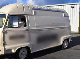 Vintage Renault Estafette Food Van - Modern engine