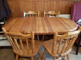 Solid pine extending table and 5chairs