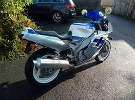 Fantastic Yamaha FZR1000RU EXUP 1991 Easy project. Stunning condition.