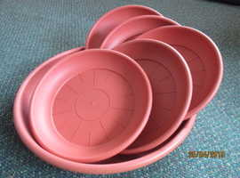 Set of 6 high quality, large, Elho plant pot saucers (teracotta coloured). Just £2.50 each