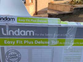 2x Lindam Stairgates - good condition