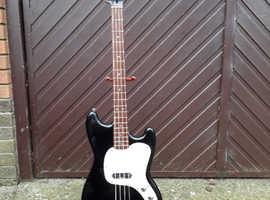 Squier Musicmaster Bass Guitar - Vista Series - Black