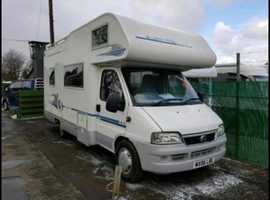 Old Caravn and motorhome