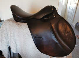 "Brown leather 16.5"" saddle Good condition!"