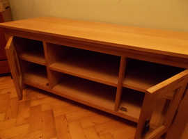 Solid wood TV cabinet/stand