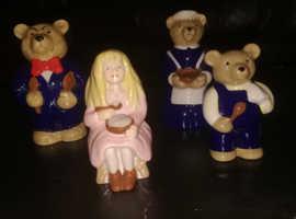 "Wade Collector's club set ""Goldilocks and the Three Bear's"""