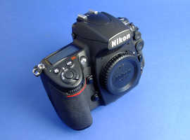 NIKON D700 FX SENSOR CAMERA BODY IN NR. MINT CONDITION. LOW SHUTTER COUNT! PROBABLY THE BEST AROUND!