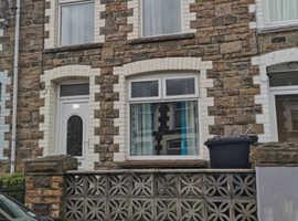2 bedroom property in Abertillery