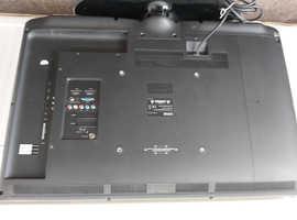 """Logik 32"""" LCD HD TV"""