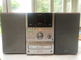 SONY original hifi. 4 CDs changeover, tape + Speakers. £110