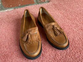 Russell & Bromley Chester Tassel Loafers size 35 / UK 2