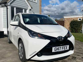 Toyota Aygo, 2017 (17) White Hatchback, Manual Petrol, 7,000 miles