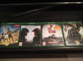 Xbox one four classic games
