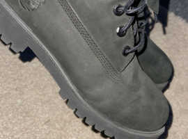 Women's Timberland Boots Size 5
