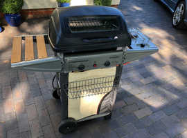 Gas Barbecue (bbq) – Expert 2 Deluxe, Lava rocks. Campingaz.  (Made in Italy).