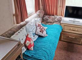 Swift rapdie 490 gxl. 5 berth single axle caravan