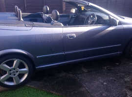 Vauxhall Astra, 2006 (06) Silver Convertible, Manual Petrol, 84,566 miles