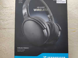 Sennheiser HD 4.40 BT, Over-Ear Wireless Bluetooth Headphones - Black .