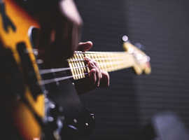 Bass Guitar Lessons in Newquay